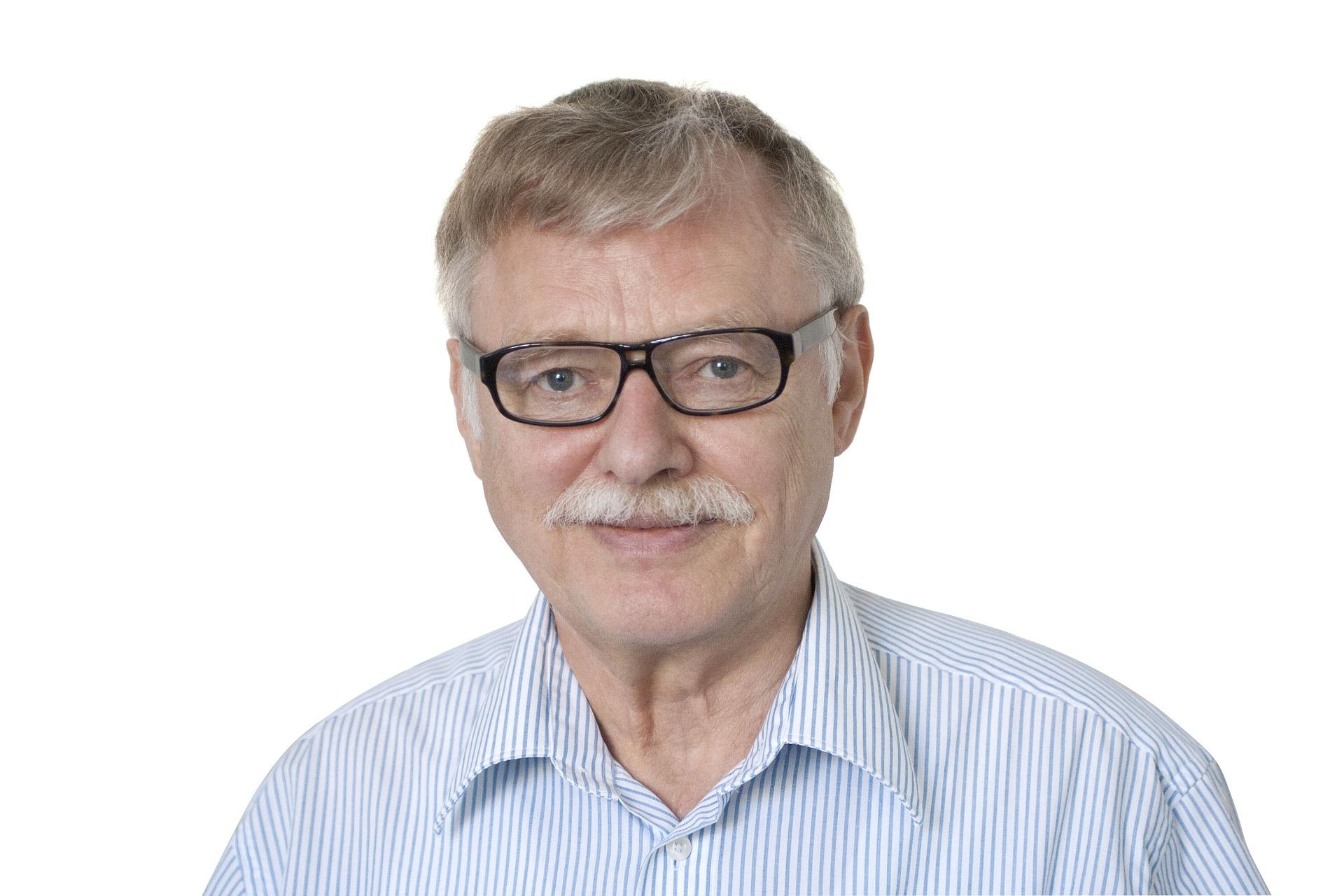 Профессор Иванов Александр