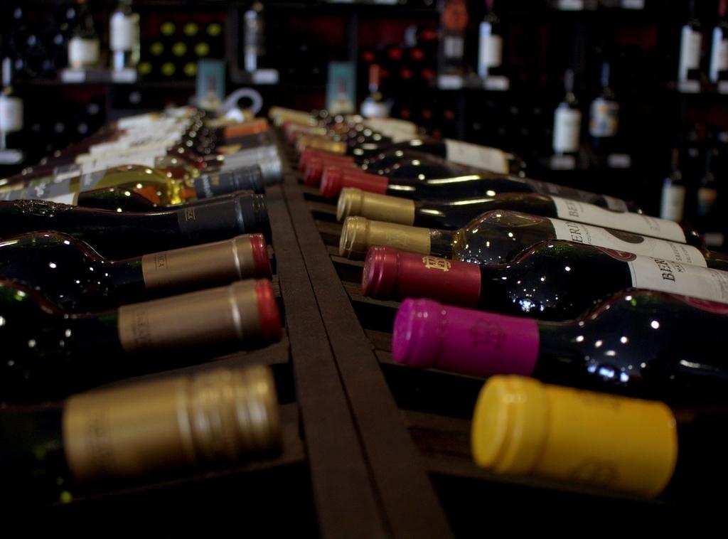 Как выбрать винный шкаф